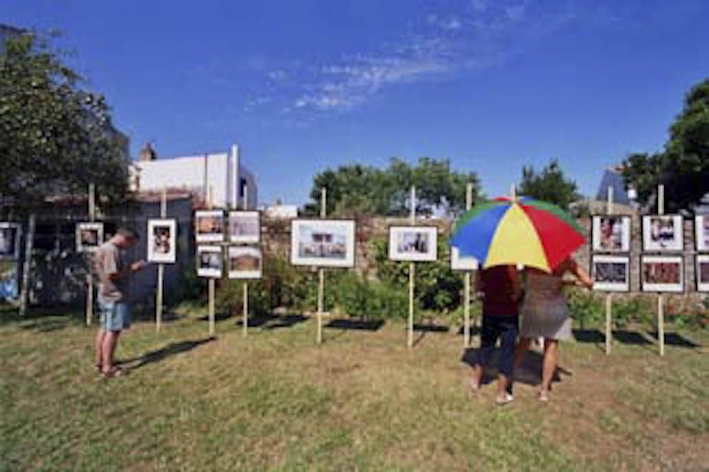 """Vue de l'exposition """"péŽriple oriental"""" à l'""""île d'Yeu"""